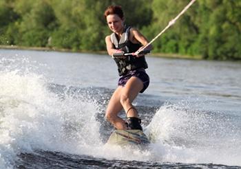 Waterskiing-safety-tips-milwaukee-injury-lawyer.jpg