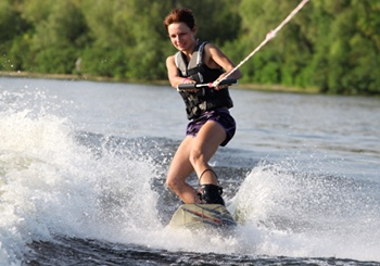 Waterskiing-safety-tips-milwaukee-injury-lawyer.jpg