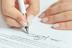 dont-blindly-sign-agreements-milwaukee-personal-injury-lawyers.jpg